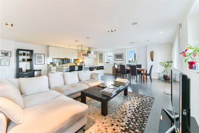 Thumbnail Flat for sale in Wharf Road, London