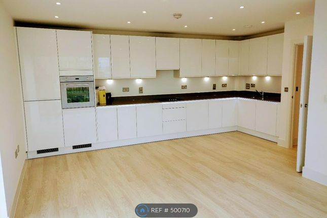 Thumbnail Flat to rent in Lakeside Drive, London