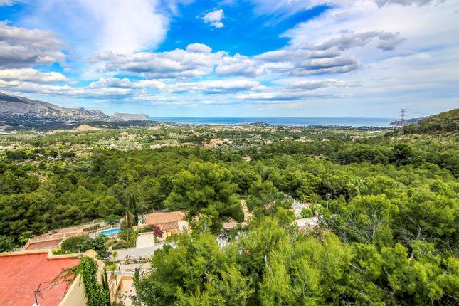 Villa for sale in La Nucia, Costa Blanca, 03230, Spain