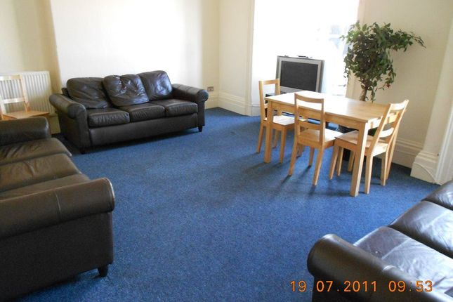 Thumbnail Flat to rent in Whiteladies Road, Clifton, Bristol