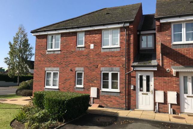 2 bed flat to rent in Central Avenue, Lutterworth LE17