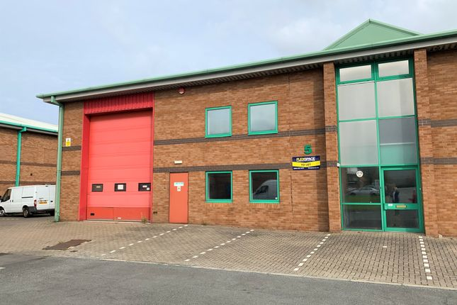 Thumbnail Warehouse to let in Unit 5, Stephenson Court, Skippers Lane Industrial Estate, Middlesbrough