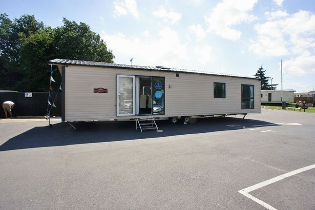 Thumbnail Flat for sale in Colchester Road, St. Osyth, Clacton-On-Sea
