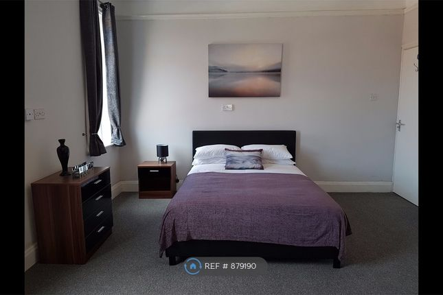 Large Double Room Let