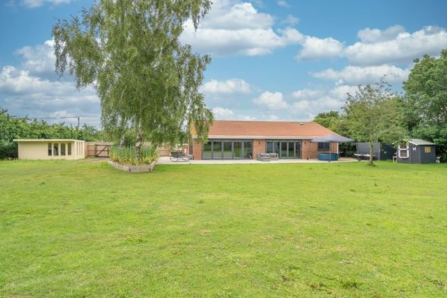 Thumbnail Bungalow for sale in Harleston Road, Langmere, Diss