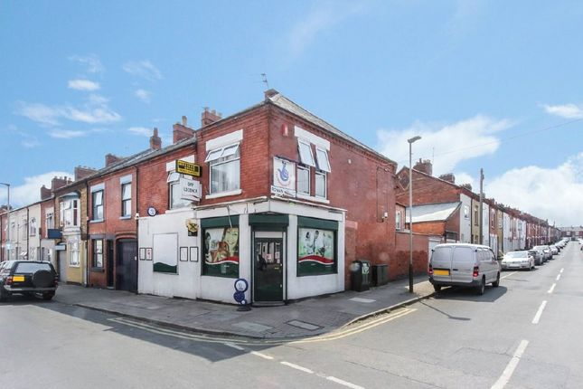 Thumbnail Flat for sale in Beatrice Road, Leicester