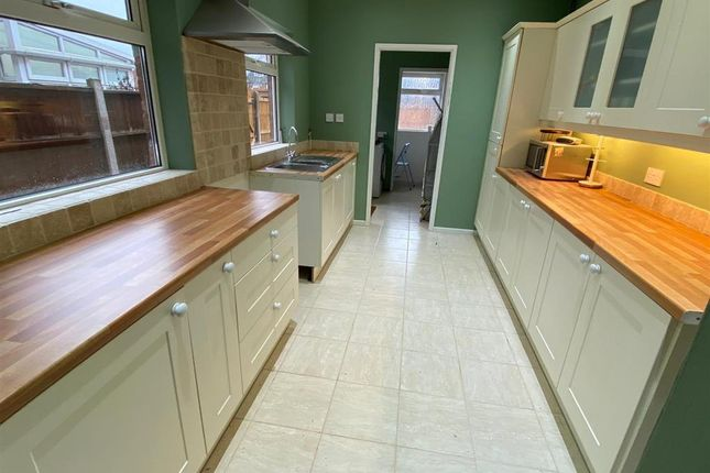 Thumbnail Property to rent in Chester Road North, Kidderminster