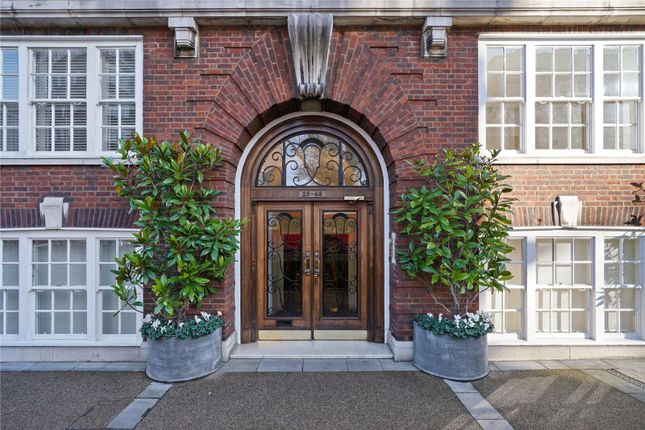 Picture No. 04 of Onslow Square, South Kensington, London SW7