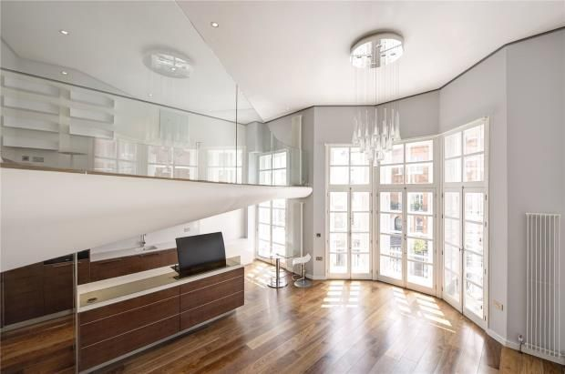 Reception Room of Pont Street, Knightsbridge, London SW1X