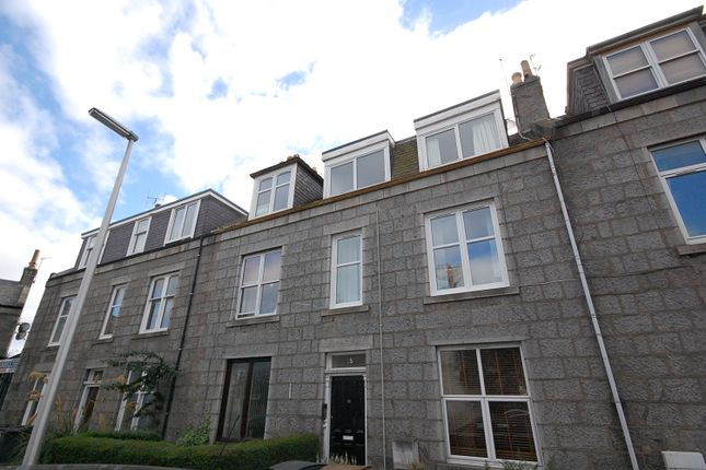 Thumbnail Flat to rent in Hartington Road, Top Floor Right, Aberdeen