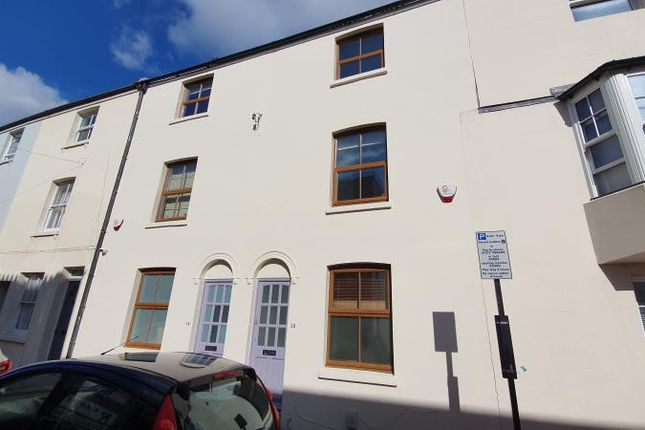 Thumbnail Terraced house to rent in Castle Street, Brighton