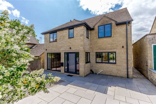 Picture No. 15 of Westland Way, Woodstock, Oxfordshire OX20