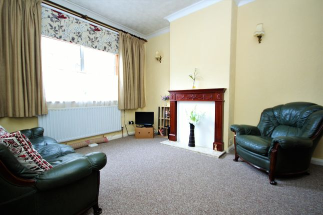 Thumbnail Terraced house to rent in Cyprus Street, Bethnal Green