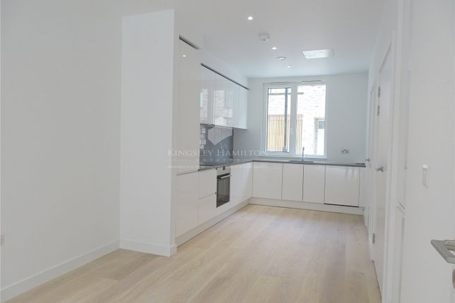Thumbnail Flat for sale in Compass House, Royal Wharf, London