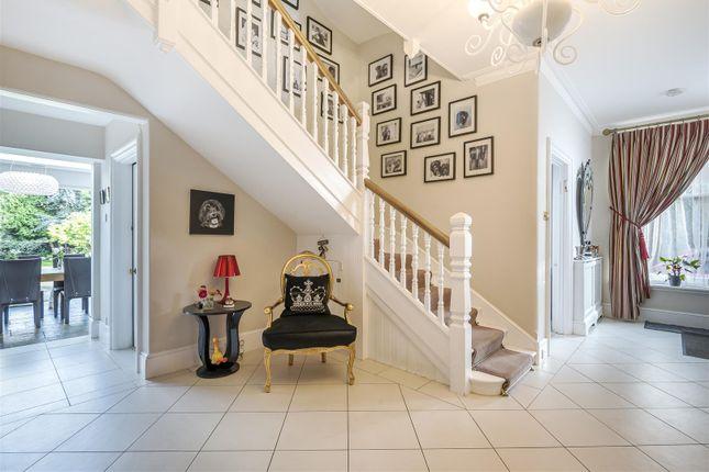 539426 (2) of Barnet Lane, Elstree, Borehamwood WD6
