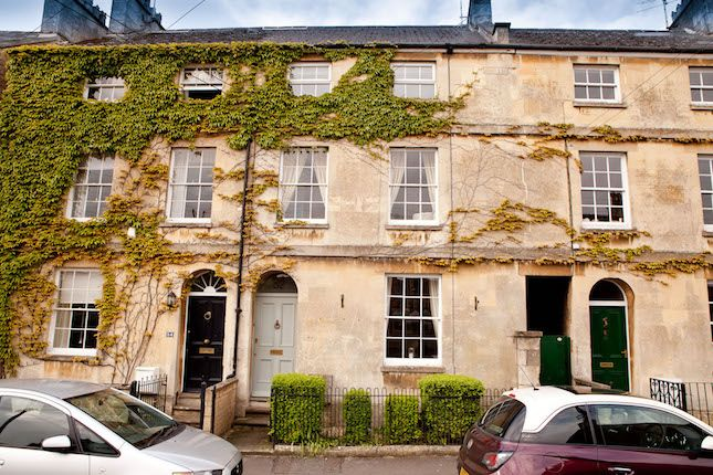 Thumbnail Town house for sale in Chester Street, Cirencester