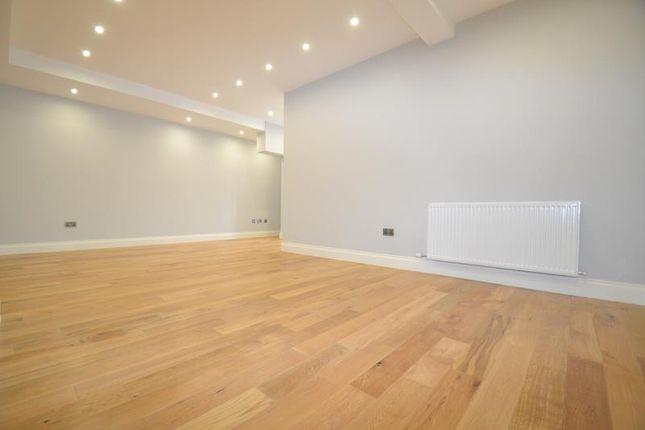 Thumbnail Studio to rent in Victoria Road, Horley