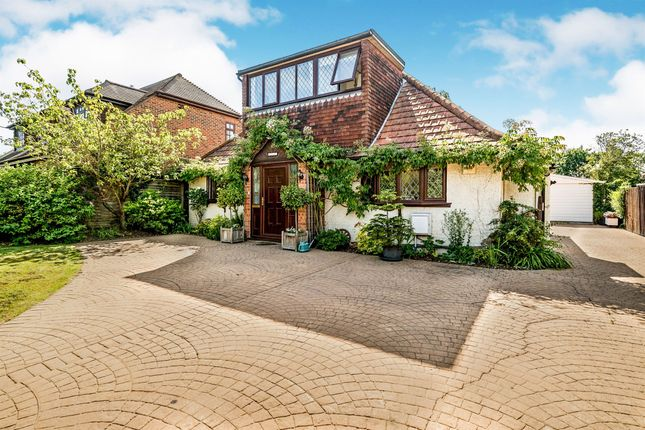 Thumbnail Bungalow for sale in Cannon Lane, Maidenhead