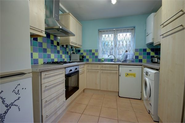 Thumbnail Terraced house to rent in Hawthorne Road, Walthamstow, London