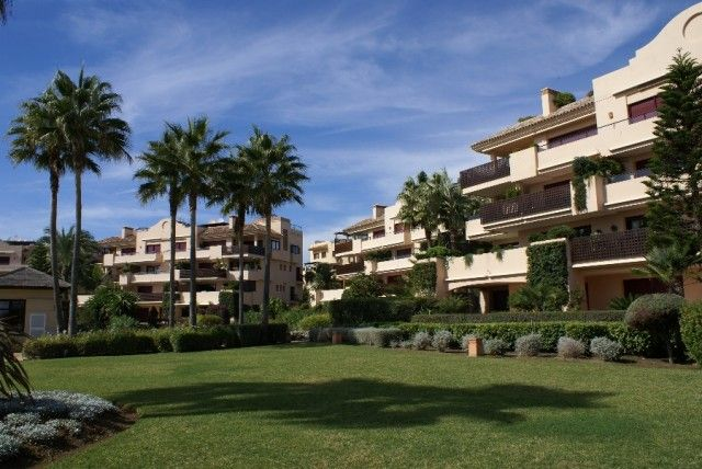 3 bed apartment for sale in Spain, Málaga, Estepona, Costalita