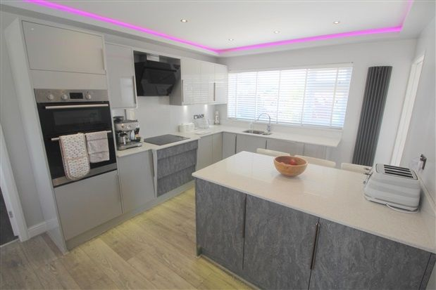 Thumbnail Property for sale in Broadway, Fleetwood
