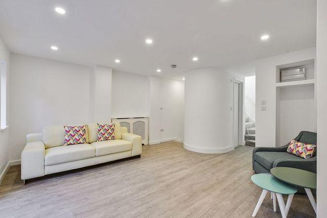 2 bed flat for sale in Fairhazel Gardens, South Hampstead, London