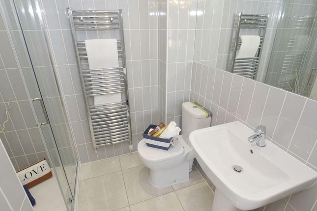 "En Suite of ""Chesham"" at Rykneld Road, Littleover, Derby DE23"