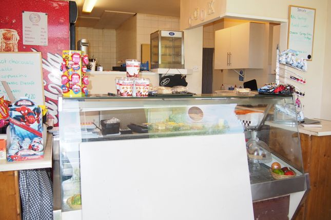 Restaurant/cafe for sale in Cafe & Sandwich Bars WF10, Allerton Bywater, West Yorkshire