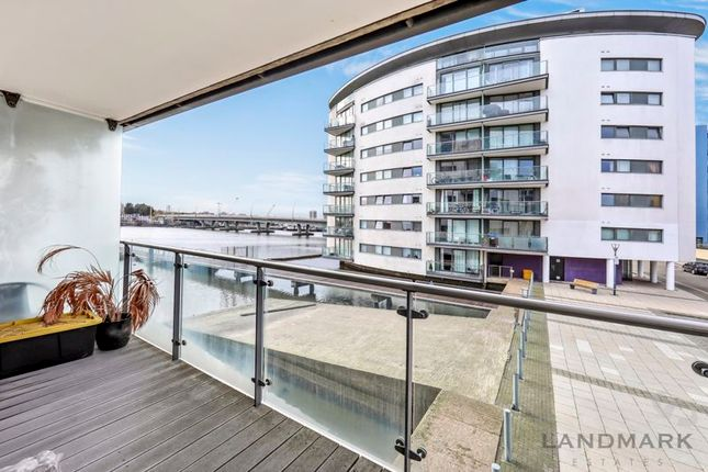 Thumbnail Flat for sale in Basin Approach, London