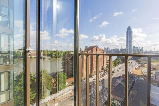 1 bed flat to rent in Ambassador Building, Embassy Gardens, 5 New Union Square, Nine Elms, London