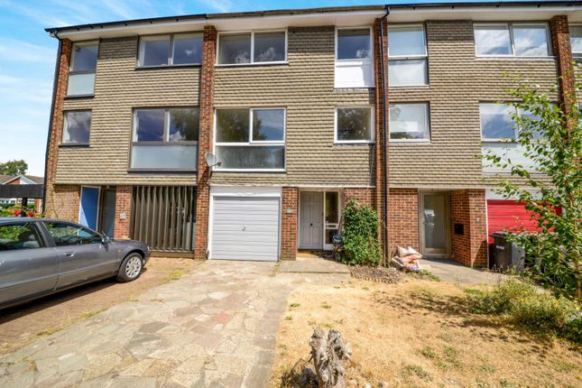 Thumbnail Town house to rent in Antonine Gate, St.Albans