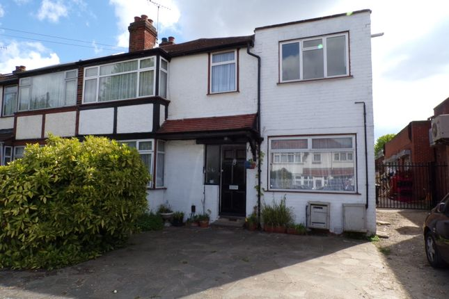 Thumbnail Flat to rent in Lee Road, Perivale, Greenford
