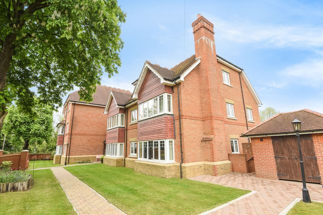 Thumbnail Flat to rent in Broadoak Court, Cullesden Road, Kenley
