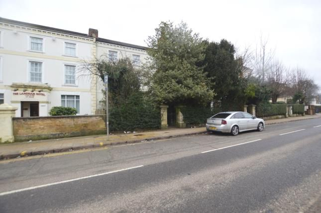 6 bed terraced house for sale in Langham Place, Northampton, Northamptonshire NN2