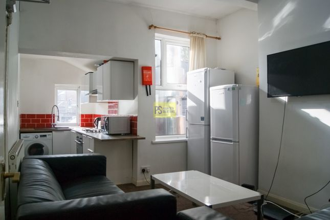 Thumbnail Flat to rent in Dawlish Road, Selly Oak, Birmingham
