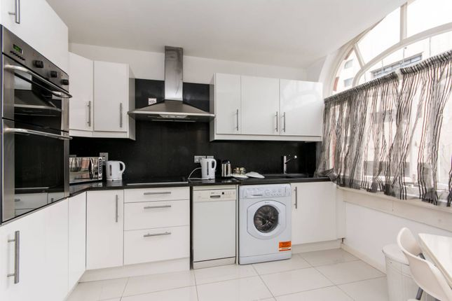 3 bed flat to rent in Palace Mansions, West Kensington