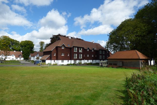 Thumbnail Flat for sale in Templeton Road, Kintbury, Berkshire
