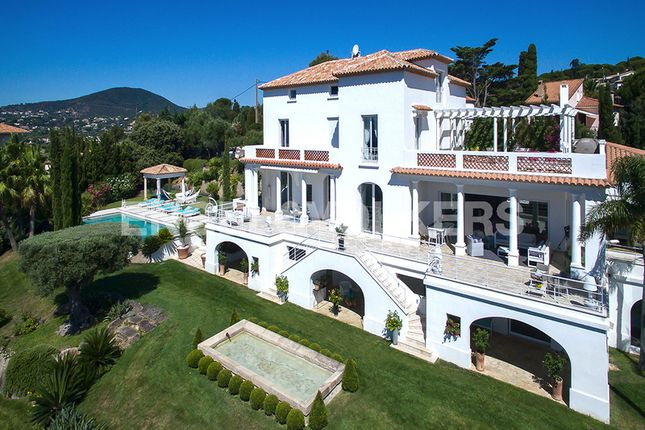Thumbnail Property for sale in 18 Boulevard Des Cistes, 83120 Sainte-Maxime, France