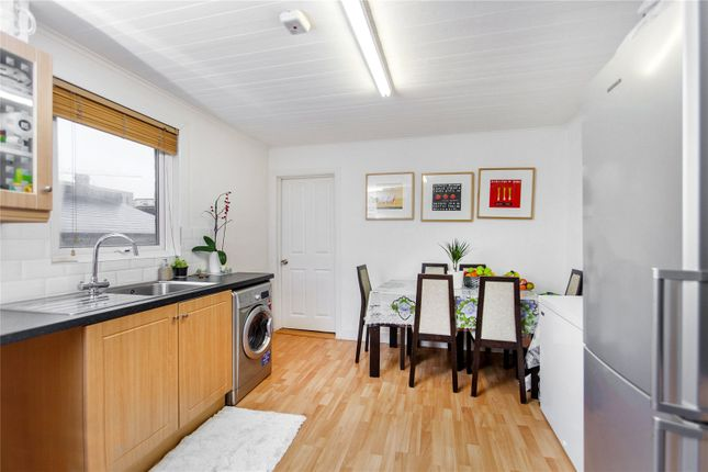 2 bed flat for sale in Brentview Road, London