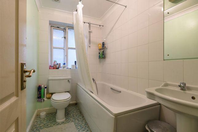 Bathroom of William Dyce Mews, London SW16