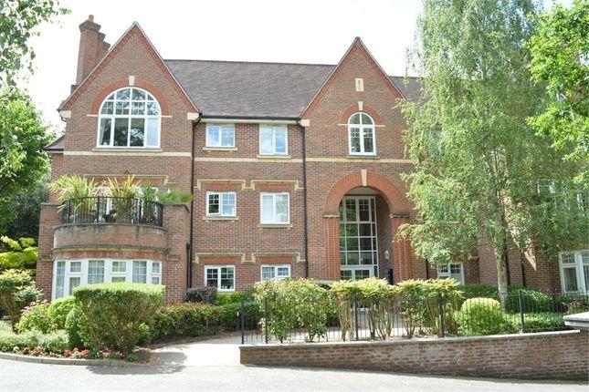 Thumbnail Flat to rent in Queen Elizabeth House, 50 Queens Road, Weybridge, Surrey
