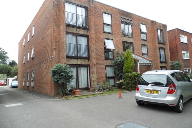Thumbnail Flat for sale in Wellington Road, Bush Hill Park