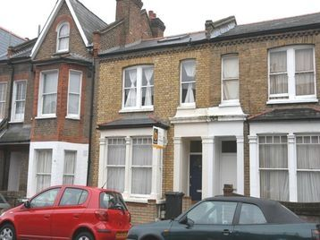 Thumbnail Detached house to rent in Strathleven Road, London