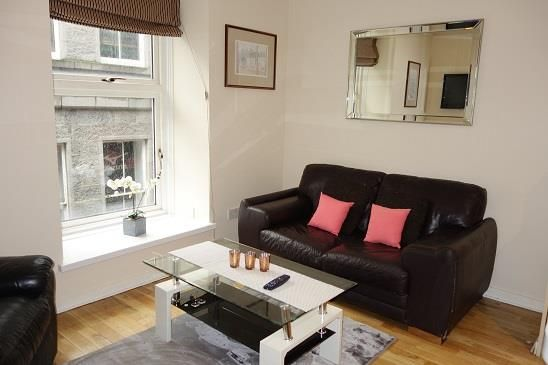 Thumbnail Flat to rent in Shiprow, Aberdeen