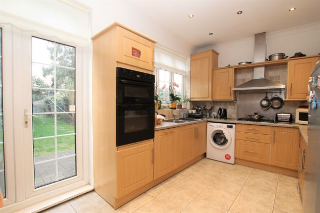 Thumbnail Terraced house to rent in Wellington Road, Enfield