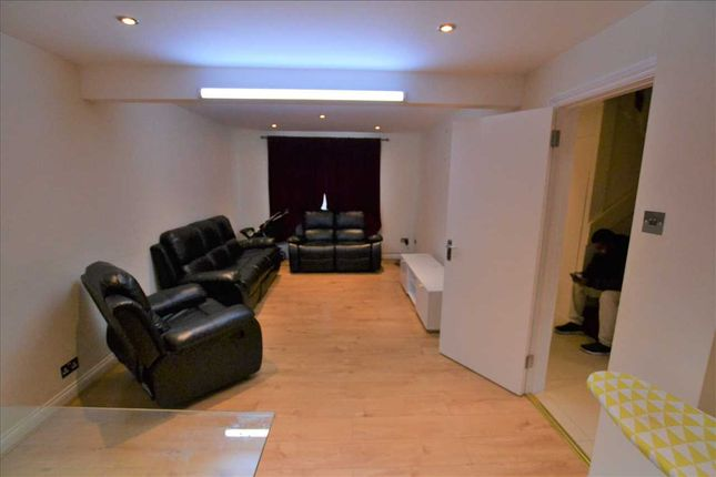 Thumbnail Flat to rent in Gressenhall Road, London