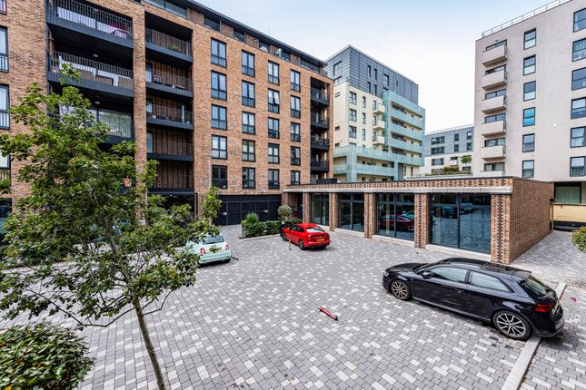 Thumbnail Office to let in Centric Close, Oval Road, Camden