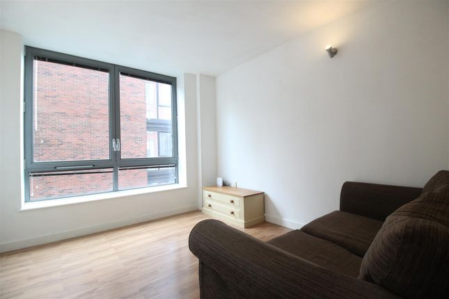 Living Room of Queens Road, Nottingham NG2