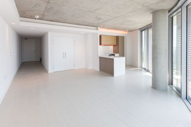 Thumbnail Flat to rent in Strawberry Star, Canary Wharf