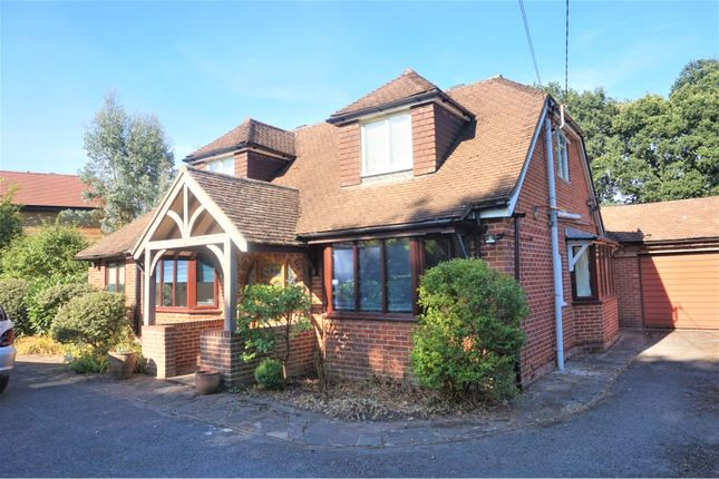 Thumbnail Detached house to rent in Hookley Lane, Elstead